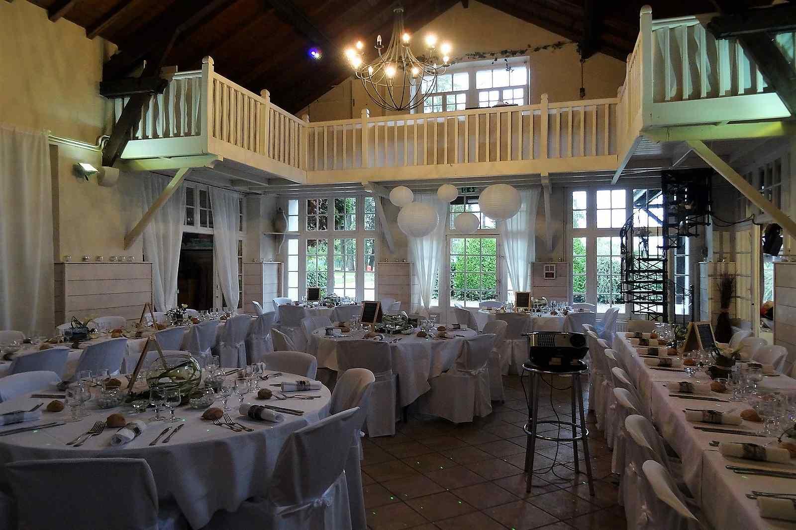 Housses de chaises au Restaurant de l'Abri Cotier